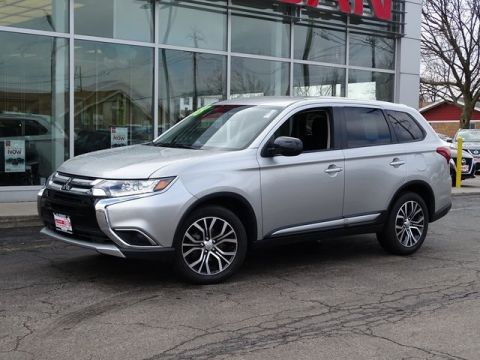 Pre-Owned 2018 Mitsubishi Outlander ES 4WD 4D Sport Utility